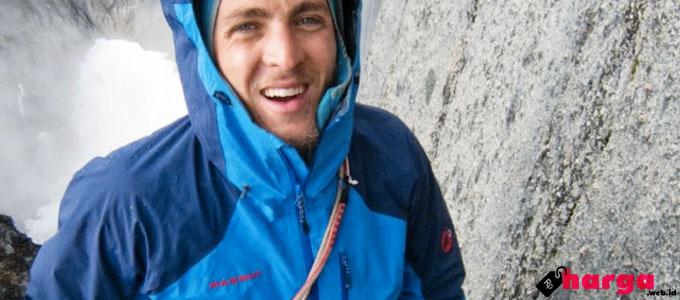 Jaket Outdoor - (Sumber: climbingzine.com)