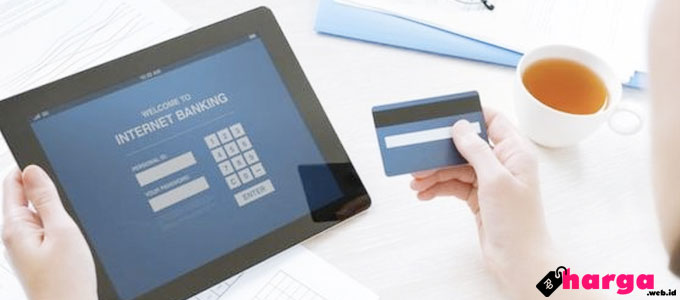 Layanan Internet Banking - (Sumber: bbc.com)