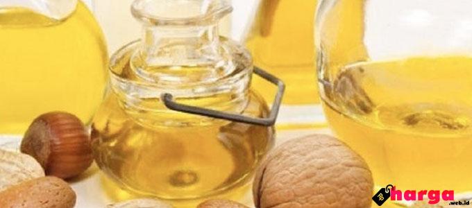 Minyak Kemiri - (Sumber: log.viva.co.id)