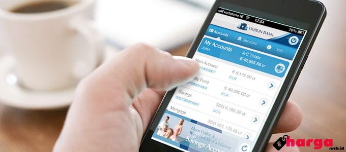 Mobile Banking - (Sumber: cr2.com)