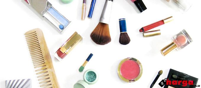 Peralatan Make Up Wanita - (Sumber: keywordsuggest.org)