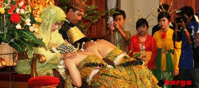 Pernikahan Adat Jawa - blogpernikahan.com