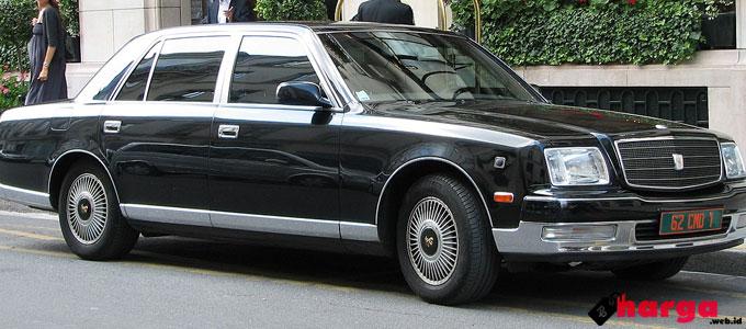 Toyota Century - en.wikipedia.org