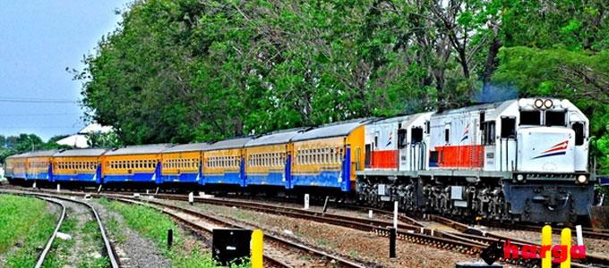 kereta api ekonomi - news.jalanjalanyuk.com
