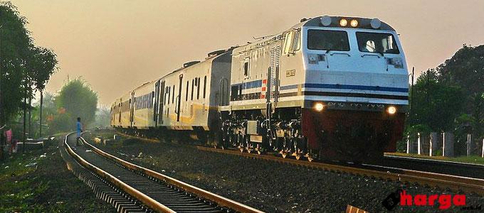 kereta api gajayana - alifiardi-cc20411.blogspot.com