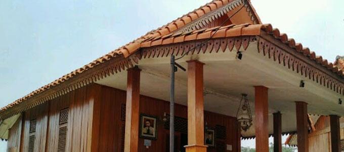 Harga Ornamen Gigi Balang Di Rumah Adat Betawi Daftar Harga Tarif