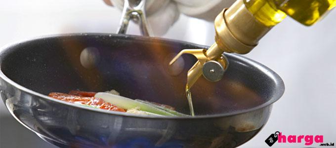 Harga, minyak, goreng, di, Indomaret, Alfamart, merek, merk, kemasan, pouch, liter, ml, 2, 1, produk, ciri, Forvita, Fortune, Tropical, Filma, Sovia, Bimoli, Sania, vitamin, keunggulan, promo, margarin, konsumen