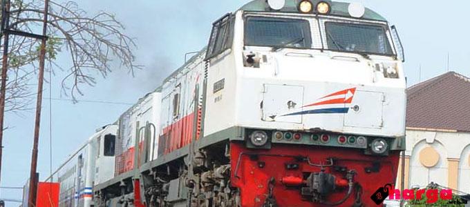 Kereta Api Jember Surabaya - (Sumber: railway.web.id)