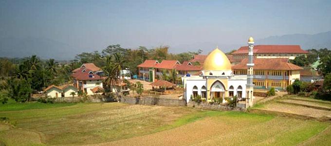 Masjid Pondok pesantren Darussalam Garut