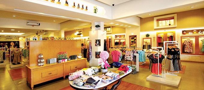 Factory Outlet Populer, Berapa Harga Barang Fashion di Rumah Mode Bandung?  | Daftar Harga & Tarif