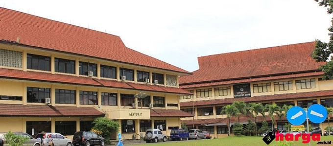 Universitas Ibn Khaldun (UIKA) Bogor - www.penerimaancalonmahasiswabaru.com