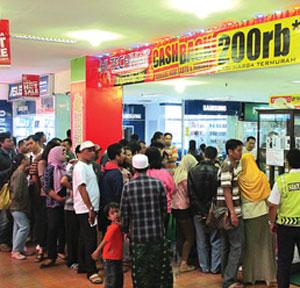 Cash Back Rp 200 Ribu untuk Gadget Bermerek di Hi-Tech Mall