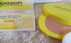 Update Harga Bedak Garnier Light Complete Visible Whitening Face Powder
