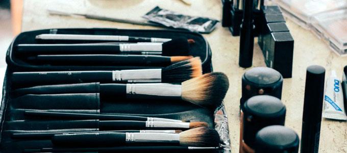 harga, kuas, make up, wardah, brush, brushes, yang, bagus, dan, murah, lokal, berkualitas, halal, oriflame, lengkap, untuk, pemula, profesional, dan, fungsinya, berapa, jual, beli, dimana, online, manfaat